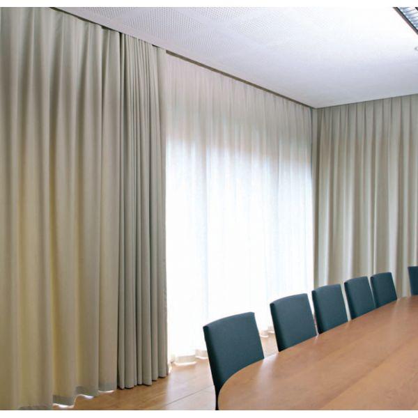 Tende arricciate oscuranti spazionord for Finestre a soffitto